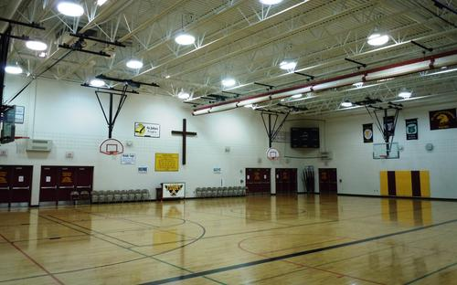 facilities_gym_full_court.jpg