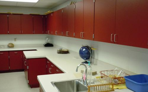 facilities_science_room.jpg